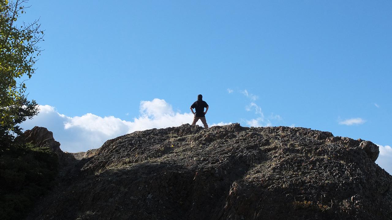 遂に頂上に到着!写真は一足先にてっぺんへ着いた友人。