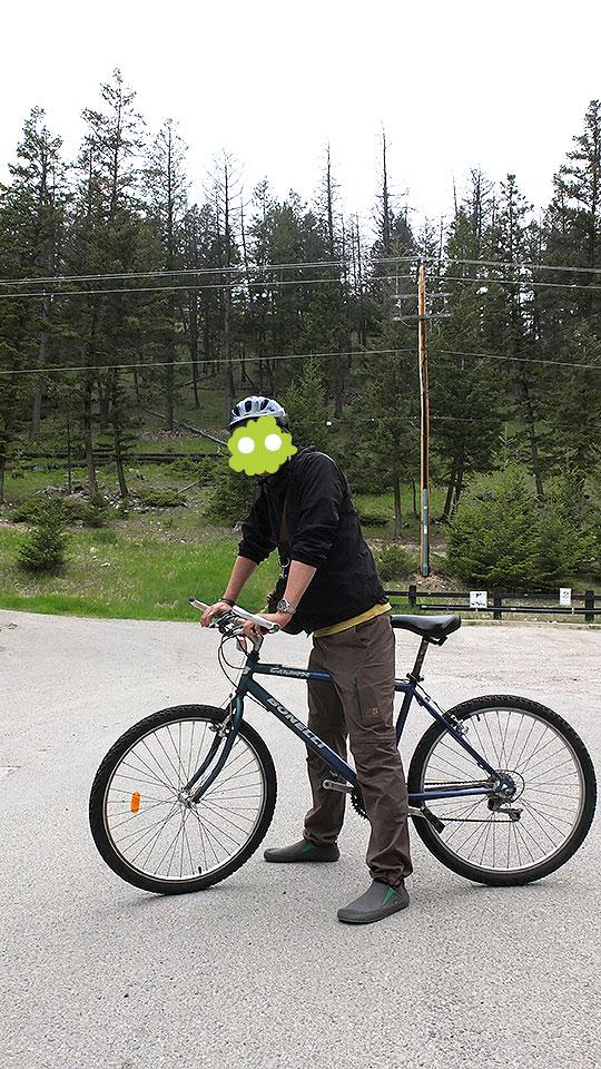 相変わらずヘルメットが似合っていない自分。
