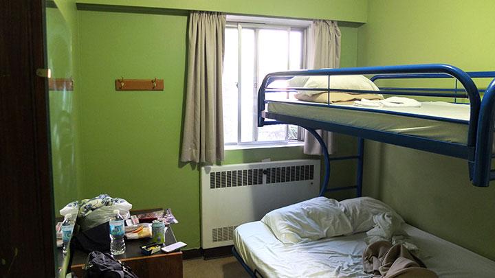 個室はシングルタイプでなかったので、二段ベッドでした。落ち着いて寝られそう。