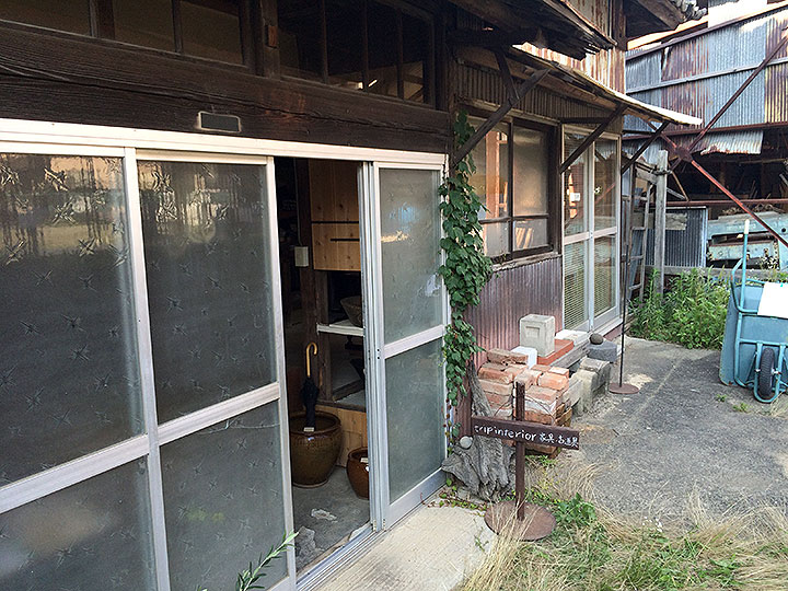 tripinteriorさんの古家具を見に行きましょう。