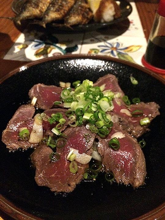 カンガルー肉のタタキ。食感としてかなり牛肉に近い。美味い!