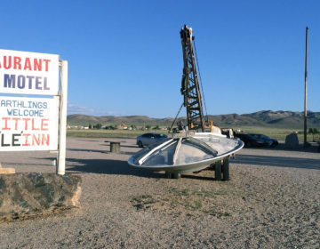 【アメリカ車の旅】ラスベガスからエリア51への行き方「リトル・エイリアン・イン」でエイリアンバーガーを食べよう